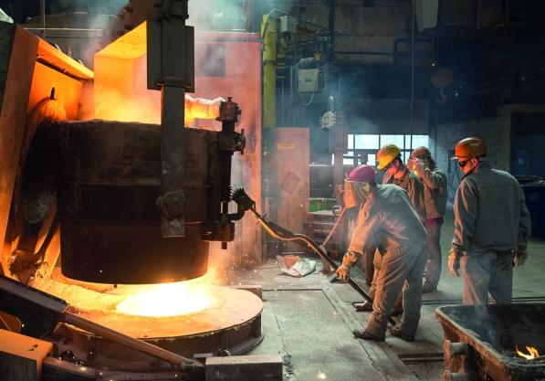Steel_works_testo