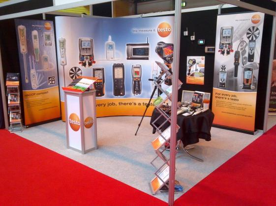 testo-limited-Stand